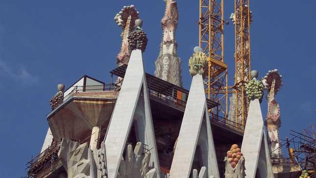 catedral de barcelona, la aventura de reconstruirse