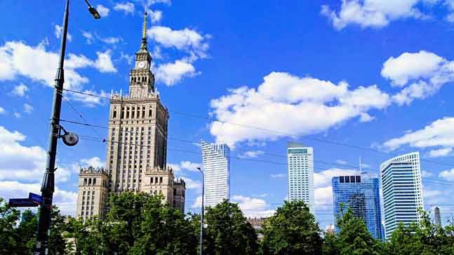 skyline-Varsovia-caso telak