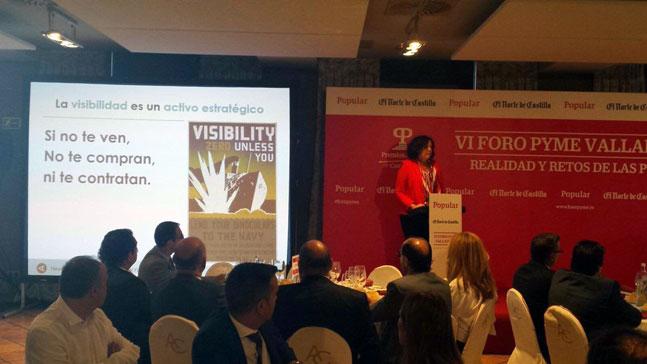 marca personal y visibilidad, Neus Arqué impartiendo un seminario