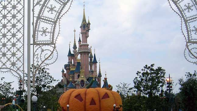 cinderella and the coach, castillo de Cenicienta y calabaza en Disney Paris