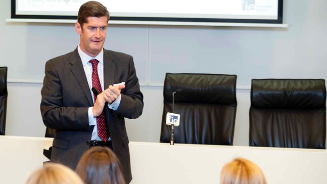 Borja Milans del Bosch en el instituto de empresa